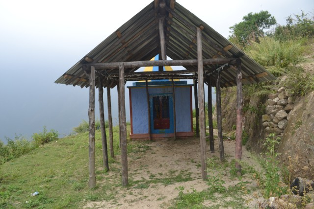 Small temple near to middle station